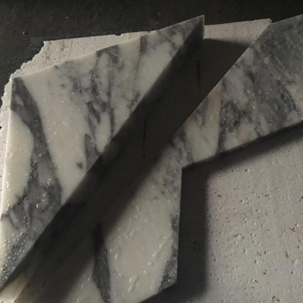 客製特殊形狀卡拉拉白立體面-新東大理石股份有限公司