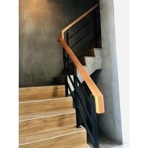 日式扁鐵樓梯扶手 - 稼樺櫸木扶手行
