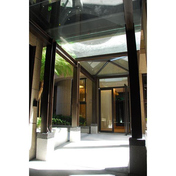 廊道不鏽鋼採光雨庇