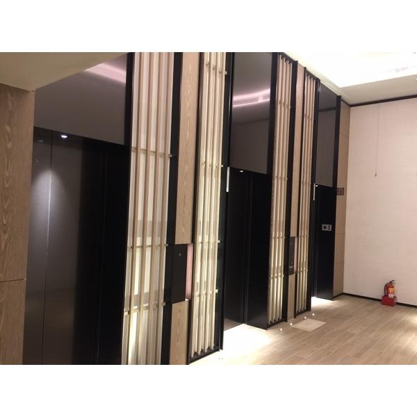 電梯間包板