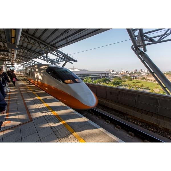 台灣高鐵烏日站月台