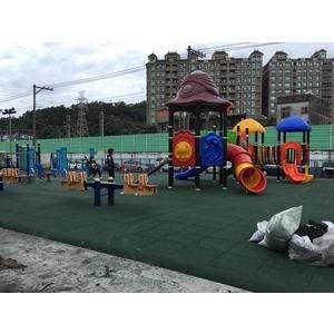 樹林鎮前公園遊樂設施 - 辰美興業有限公司
