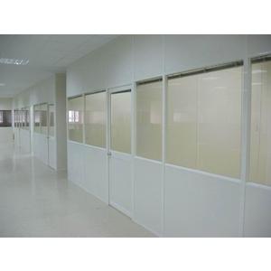 美耐板面半玻隔間 - 優力特裝潢工程有限公司