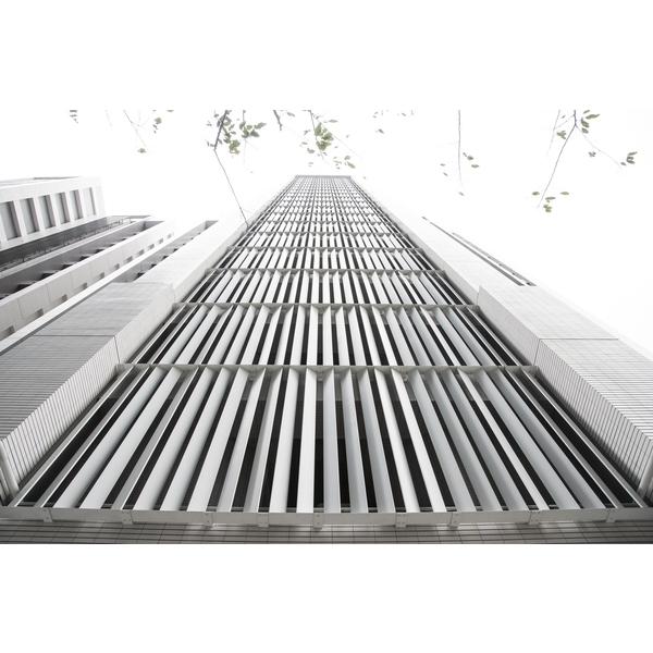 謙量-金屬垂直格柵-1-承暉精品有限公司