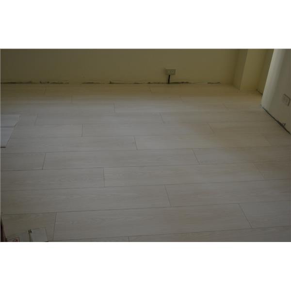 7.8寸超耐磨地板 碳化基材 天然紋系列 白沙灣