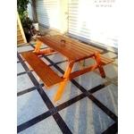 傳統舊式(有障礙連體桌椅)