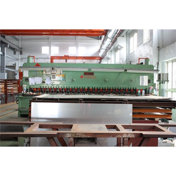 30460剪床機(剪裁扭曲率1O)-金宏不�袗�材有限公司