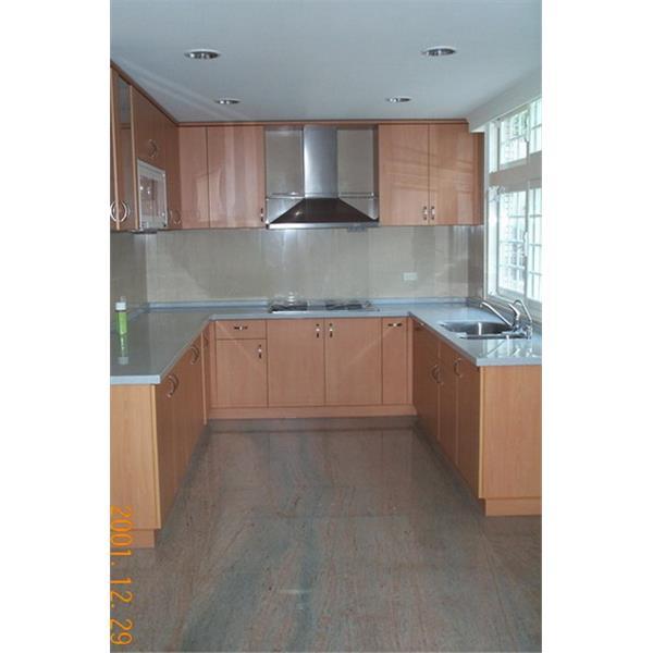 金絲緞天然石材施工-廚房地面實景