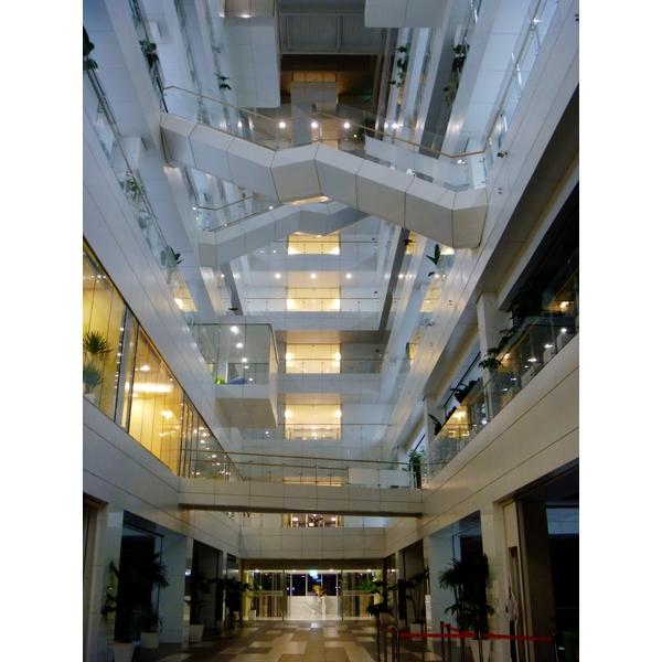 宏達電研發大樓包板工程